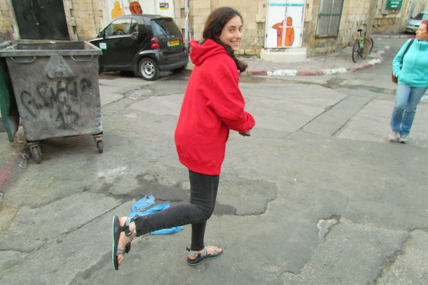 GHA student Bella, also known as 13CantorB (with over 119,00 Pointz!) wears her Zamzee on her sandal in Israel.